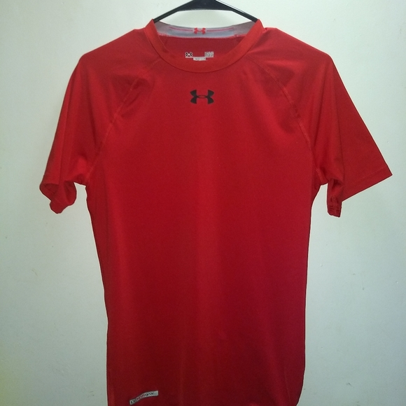 Under Armour Other - UNDER ARMOUR T-SHIRT 👕 Heatgear Compression Red L